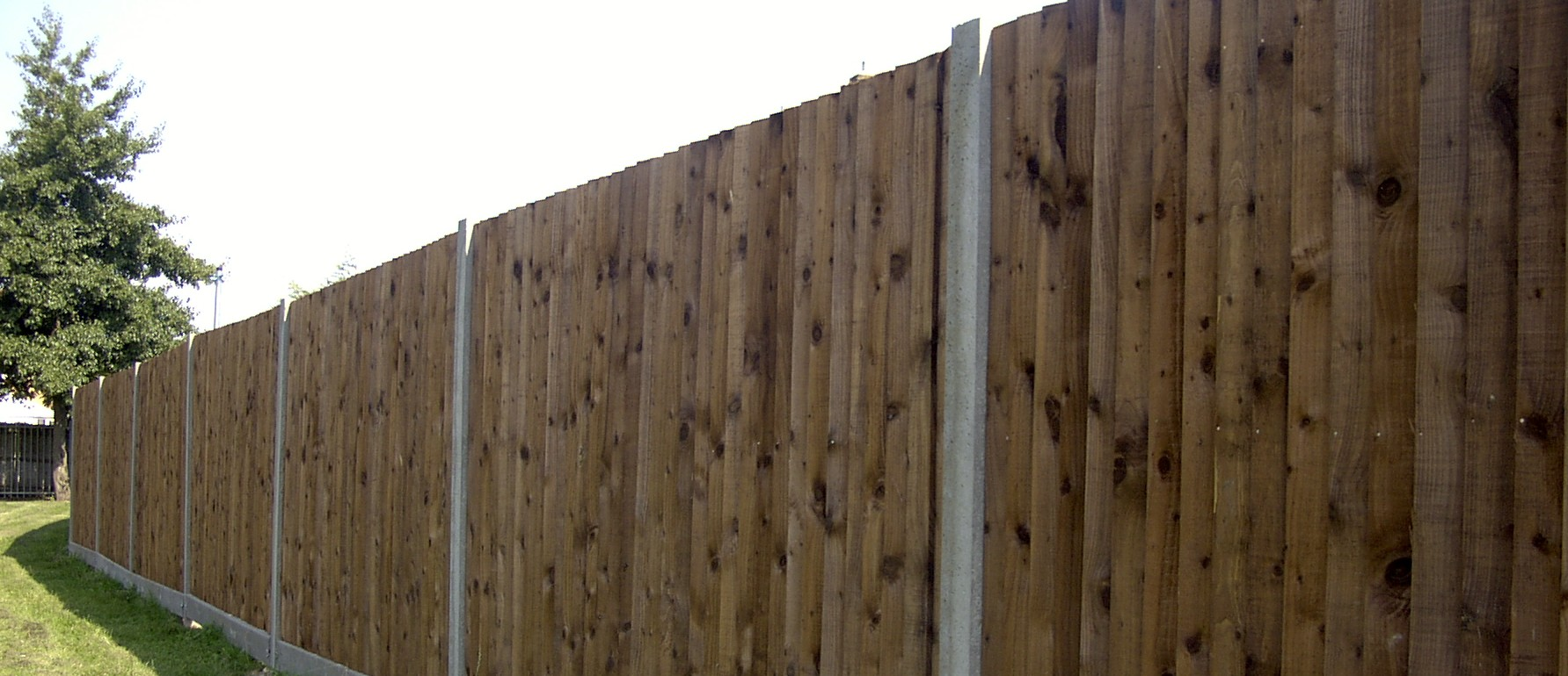 Domestic fencing in dorset, garden fencing